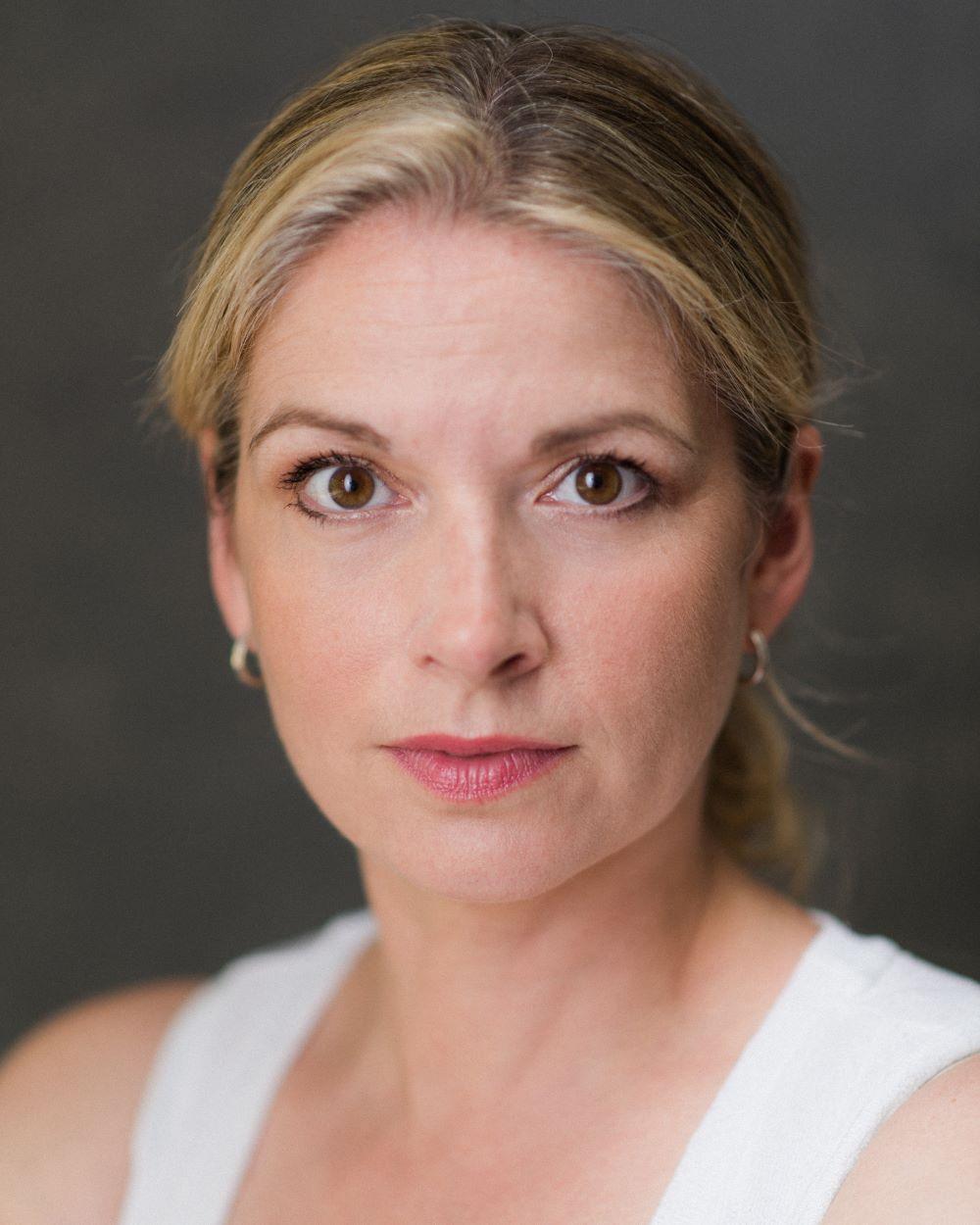 Caroline Sheen_Thrive Talent headshot 2